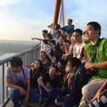 chụp ảnh trên cầu Rạch Miễu