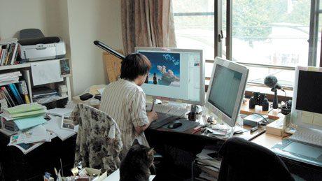 Đạo diễn hoạt hình Makoto Shinkai làm việc