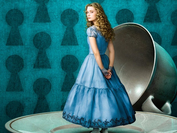 Alice Through The Looking Glass-1