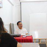 Đạo diễn Đinh Thái Thụy tại lớp Nghệ thuật Sáng tạo Kịch bản