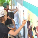 vẽ tranh trên tường học viên Viện Truyện tranh và Hoạt hình 1
