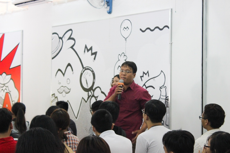 học viên khóa 5 Nguyễn Duy Quang chia sẻ tại Lễ khai giảng Viện Truyện tranh và Hoạt hình