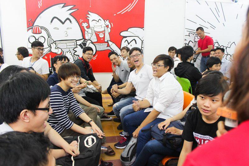 tham gia trò chơi tại lễ khai giảng Viện truyện tranh và Hoạt hình 5