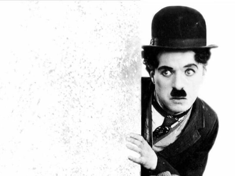 Xem các bộ phim hài của Charlie Chaplin để học hỏi