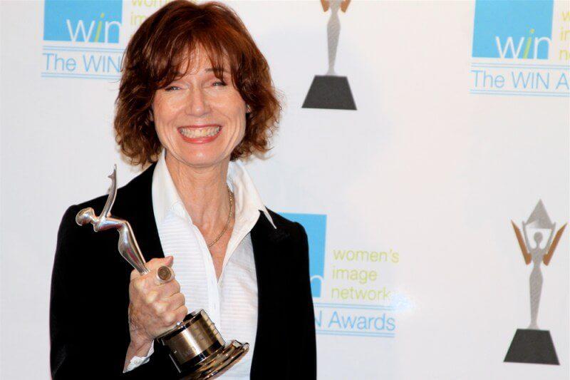 Biên kịch Linda Woolverton mẹ đẻ của bô phim Maleficent