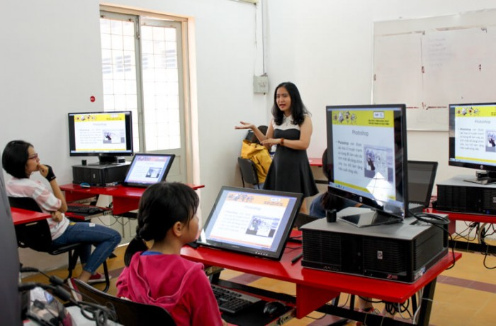 Khai giảng lớp dạy vẽ truyện tranh trên máy cho thiếu nhi Digital 01