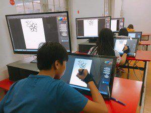 Lớp vẽ truyện tranh trên máy cho trẻ 8-14 tuổi 04
