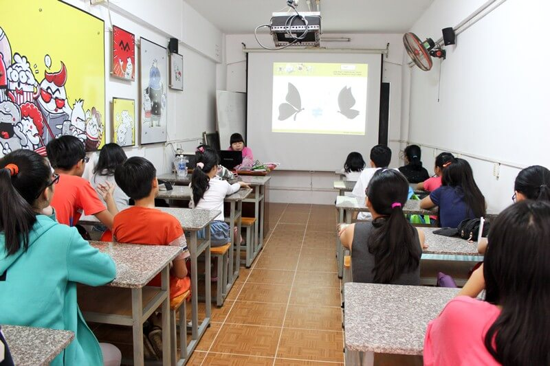 Lớp dạy vẽ thiếu nhi K10 1