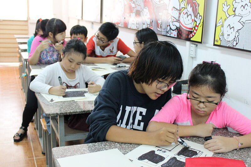 Lớp dạy vẽ thiếu nhi K10 19