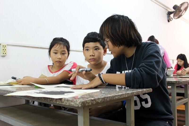 Lớp dạy vẽ thiếu nhi K10 26