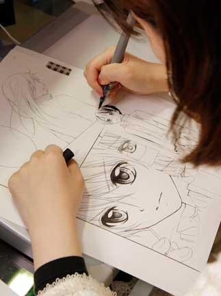 Họa sĩ đích thân vẽ nhân vật, do nhân vật là thành phần tối quan trọng trong manga.