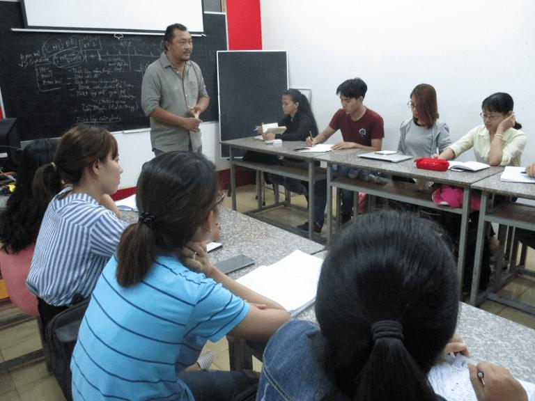 Các lớp học về biên kịch không chỉ giúp bạn có thêm kiến thức về kịch bản, mà còn đưa ra quy chuẩn trình bày một cách chuyên nghiệp nhất