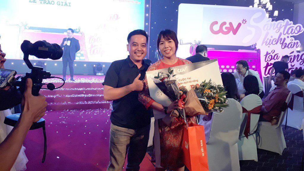 Võ Thị Hoàng Yến (học viên Viện Truyện tranh và Hoạt hình - CMA) và đạo diễn Lê Thanh Sơn